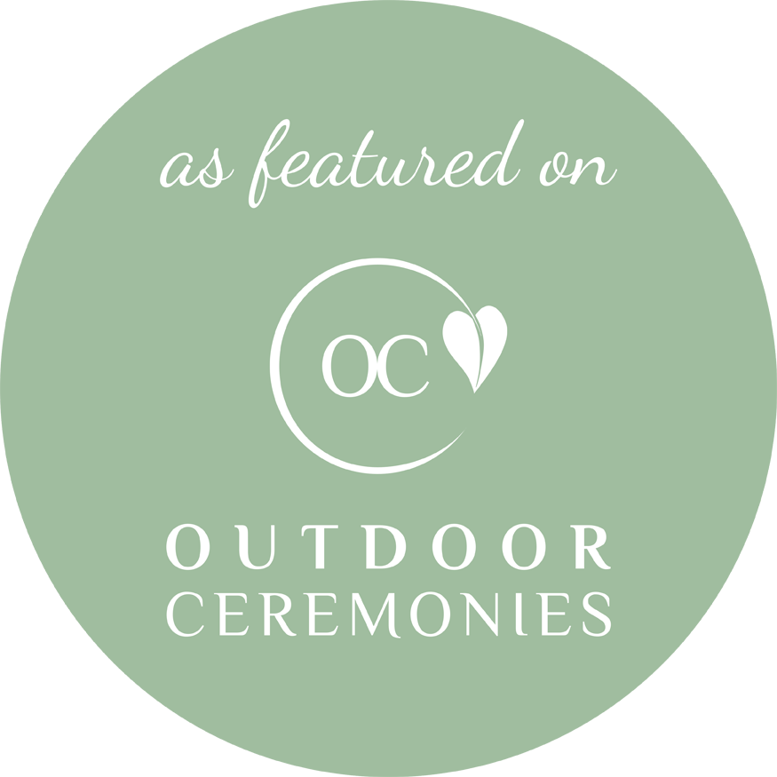 "a pale green cirlce with the words ""as featured on Outdoor Ceremonies"". Membership badge for outdoorceremonies.com"